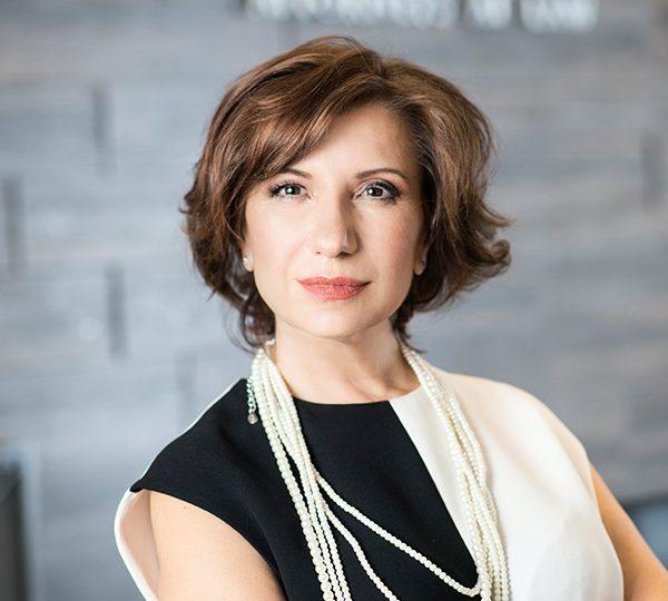"""Адв.Петя Мургова: """"Успехът изисква доверие, а доверието не се получава, то се печели"""""""